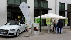 Autohaus Atzert und Sparda-Bank am Info-Stand